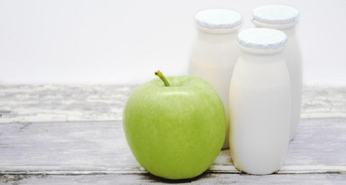Cenar manzana y yogurt adelgaza